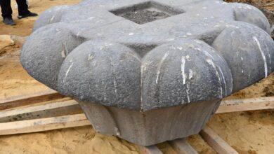 صورة بدء مشروع ترميم و تركيب و إعادة رفع العمود الأثري الموجود بسراي القبة