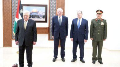 صورة الرئيس الفلسطيني يتقبل أوراق اعتماد عدد من السفراء المعتمدين لدى دولة فلسطين