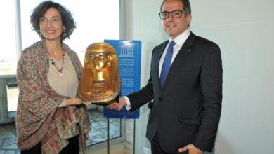 صورة وزير السياحة والآثار يلتقي مدير عام منظمة اليونسكو بباريس